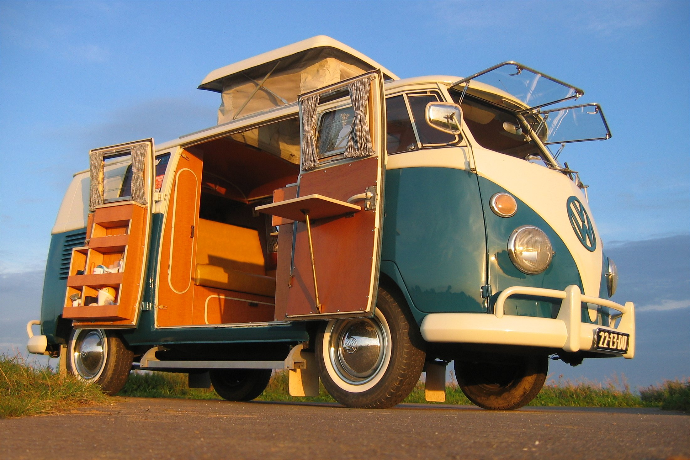 VW kempingbusz